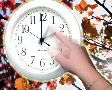 Setting back the clock for the fall hour